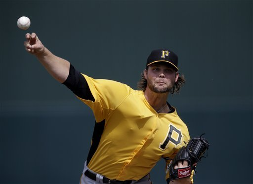Morneau backs Worley, Twins in 5-4 win vs Pirates