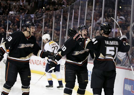 Palmieri's hat trick leads Ducks over Predators