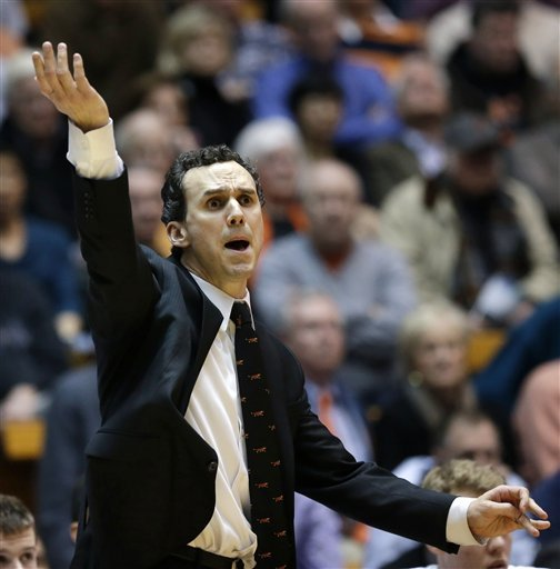 Hummer helps Princeton defeat Harvard 58-53