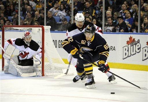 Pominville leads Sabres in 4-3 SO win over Devils