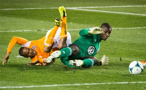 Clark scores in Dynamo's 2-0 win over DC United