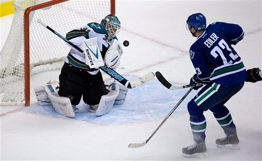 Pavelski scores SO winner as Sharks top Canucks