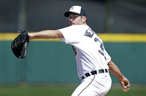 Hunter homers for Tigers, Verlander dominant