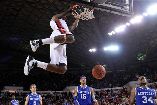 Caldwell-Pope, Georgia beat reeling Kentucky 72-62