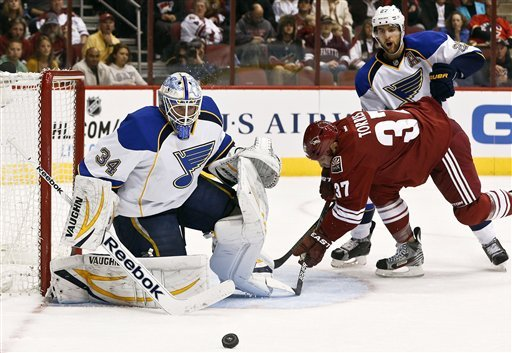 Berglund leads Blues past Coyotes, 6-3