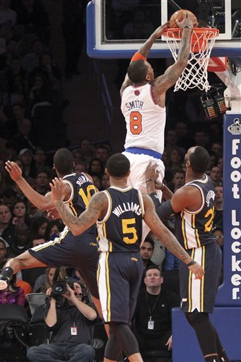 Knicks rout Jazz without Anthony and Stoudemire