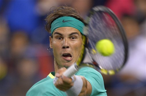 Federer easily advances at Indian Wells