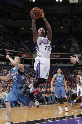 Thomas leads Kings over Timberwolves, 101-98