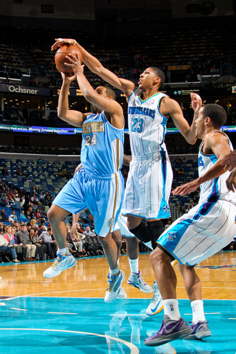 Hornets snap Nuggets' 15-game win streak