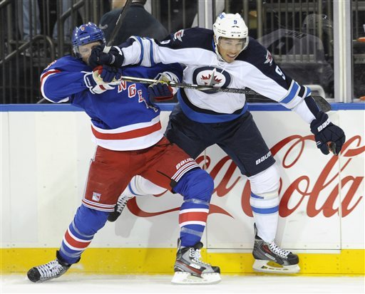 Derek Stepan scores 2 as Rangers beat Jets 4-2