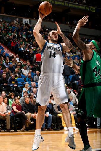Pekovic hammers Celtics in Minnesota's 110-100 win