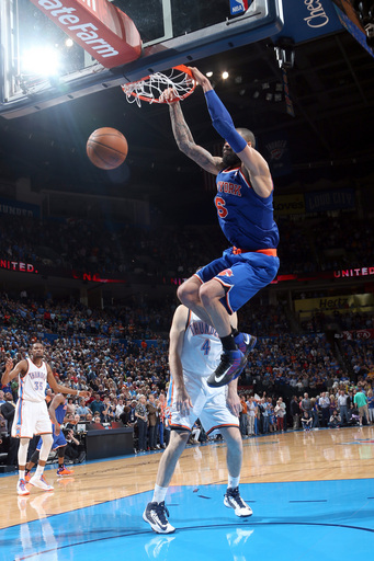 Knicks win 12th straight, 125-120 over Thunder
