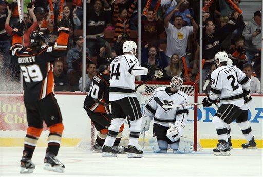Ducks win rivalry game, beat Kings 4-3 in shootout