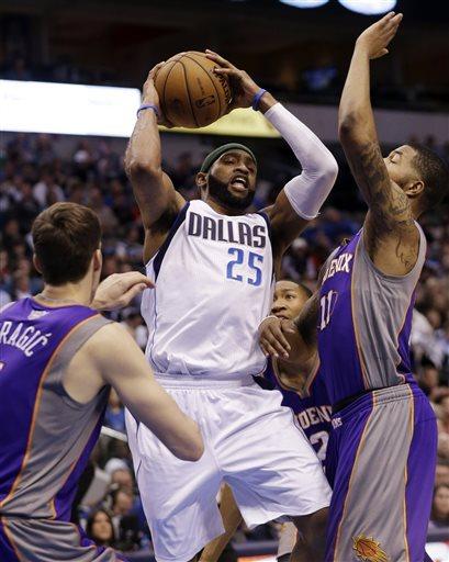 Suns beat Mavs to set up playoff elimination