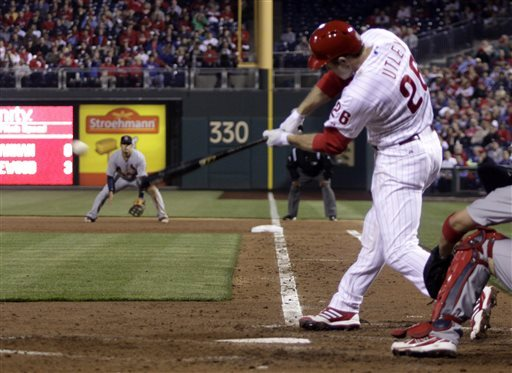 Beltran, Wainwright lead Cards past Phillies 4-3