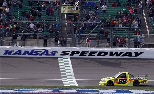 Crafton wins at Kansas for third Truck victory