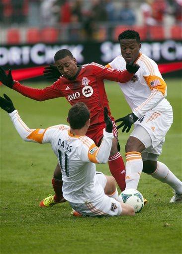 Dynamo rally to tie Toronto 1-1