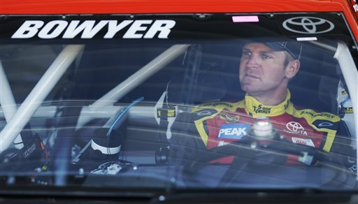 TRD recalls 3 Bowyer engines after Kenseth penalty