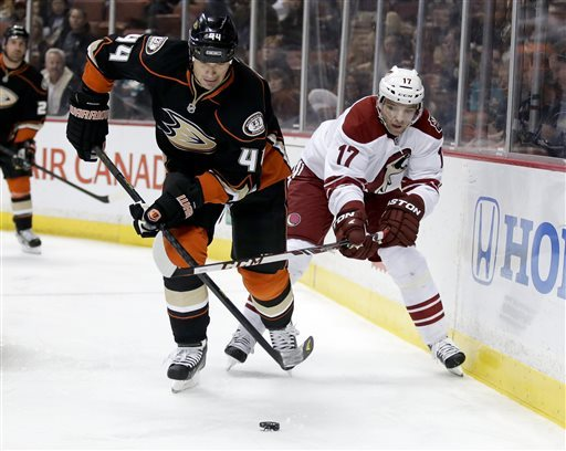 Coyotes end season with 5-3 win over Ducks