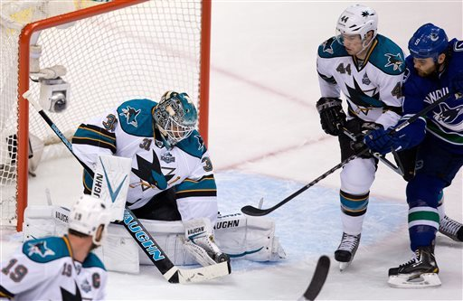Boyle, Marleau lift Sharks to 3-1 win over Canucks