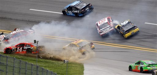 David Ragan steals last-lap victory at Talladega
