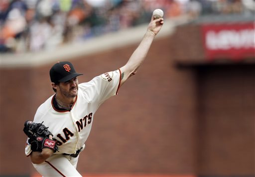 Torres singles in 10th, lifts Giants past Phillies