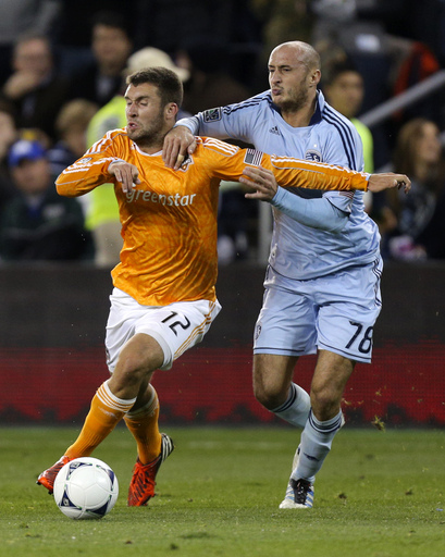 Collin's late goal lifts Sporting KC past Dynamo