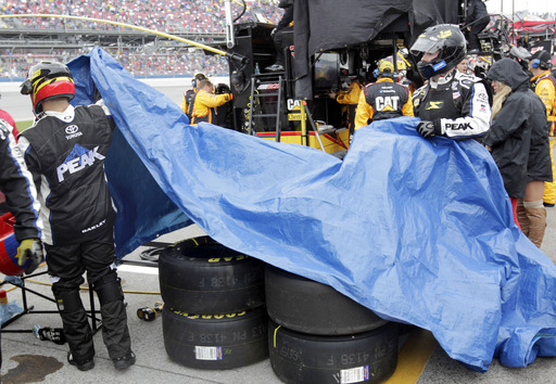 NASCAR suspends 2 for failing random drug tests