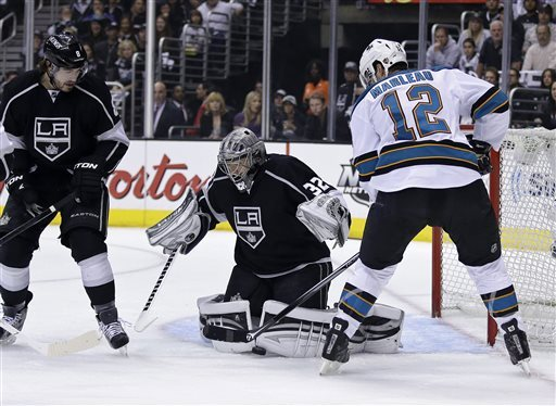 Quick leads Kings past Sharks 2-0 in opener