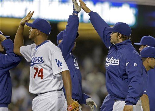 Kershaw, Ethier lead Dodgers past Nationals 2-0