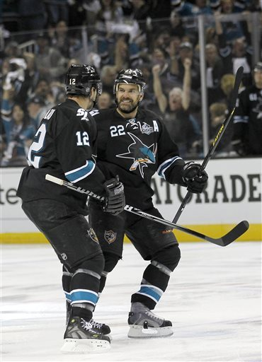 Couture's OT goal gives Sharks 2-1 win over Kings