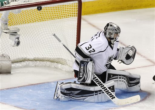 LA Kings return home between road playoff games