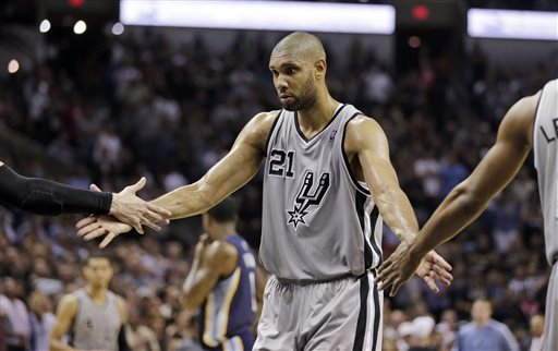 Tim Duncan scored six points in OT during the Spurs' 93-89 victory over the Grizzlies. (AP)