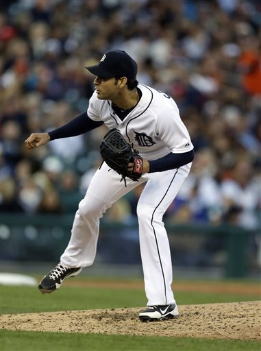 Sanchez loses no-hit bid in 9th, Tigers beat Twins
