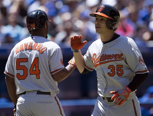 Valencia, Jones homer as Orioles top Blue Jays 6-5
