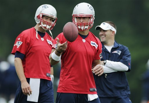 Brady working to develop chemistry with new WRs