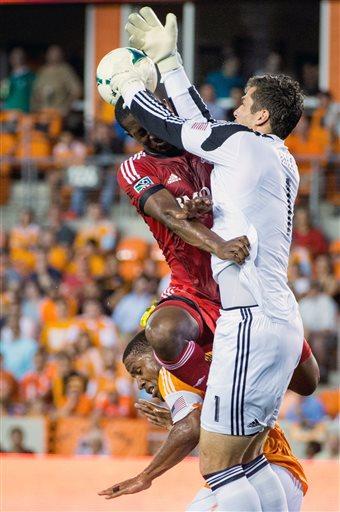 Toronto FC and Dynamo play to scoreless tie