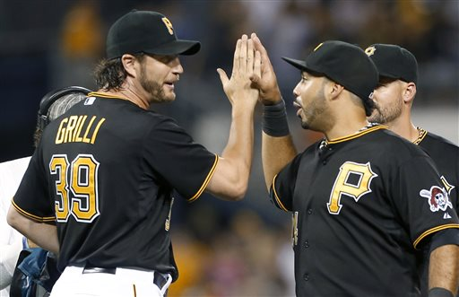 Alvarez, Liriano help Pirates to 8th straight win