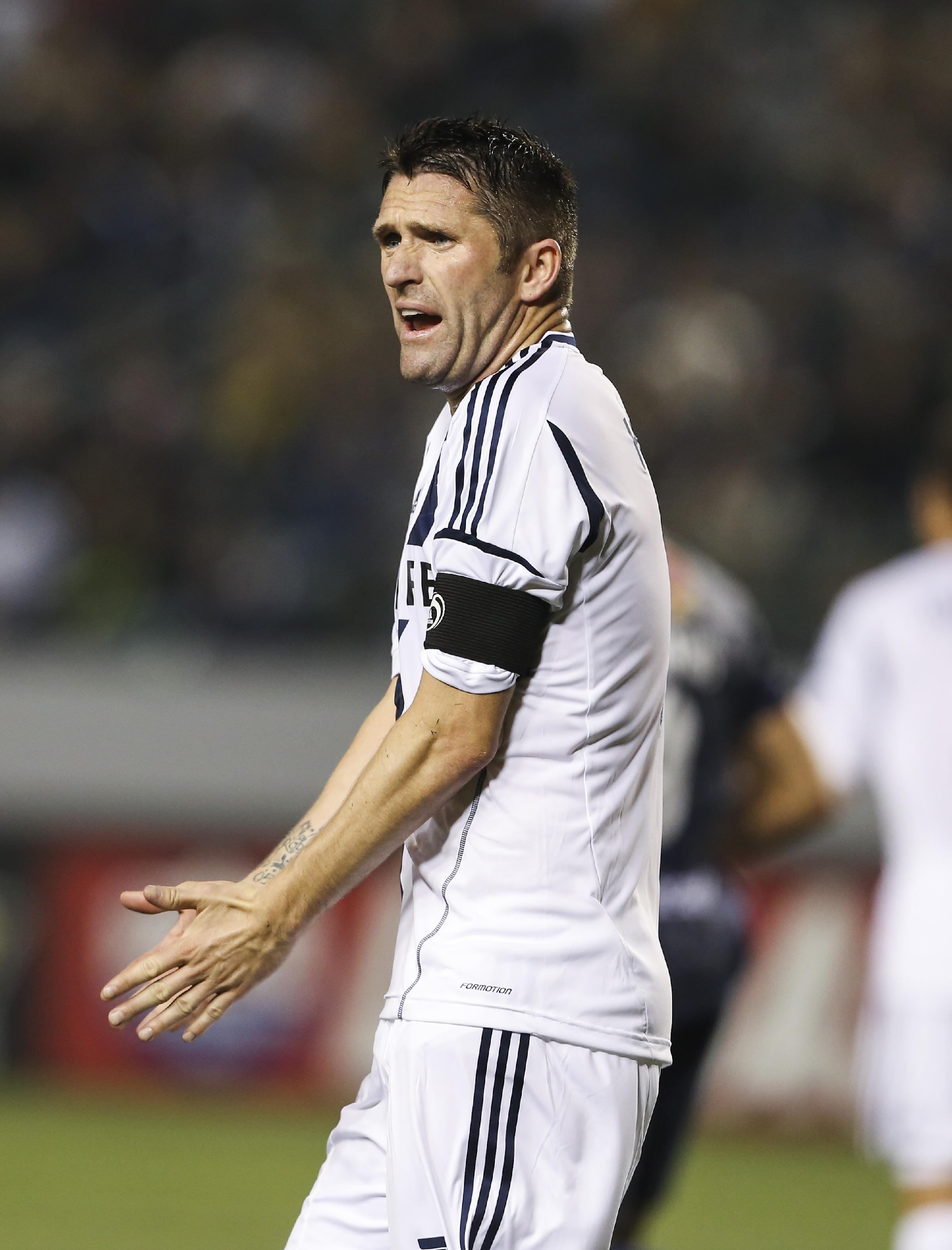 Keane converts 2 penalty kicks as Galaxy beat Crew