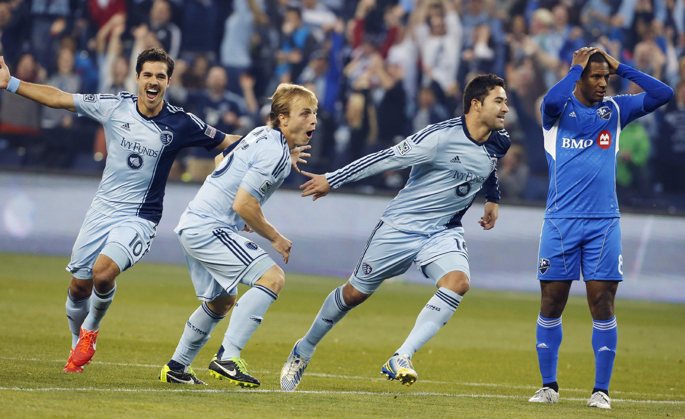 Sporting Kansas City beat Fire 2-1