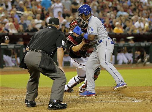 Nolasco beats Diamondbacks in Dodgers debut, 6-1