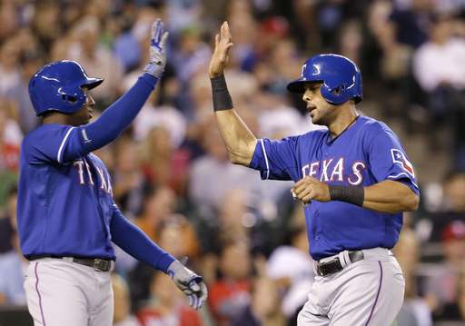 Rangers beat Mariners 4-3 on balk