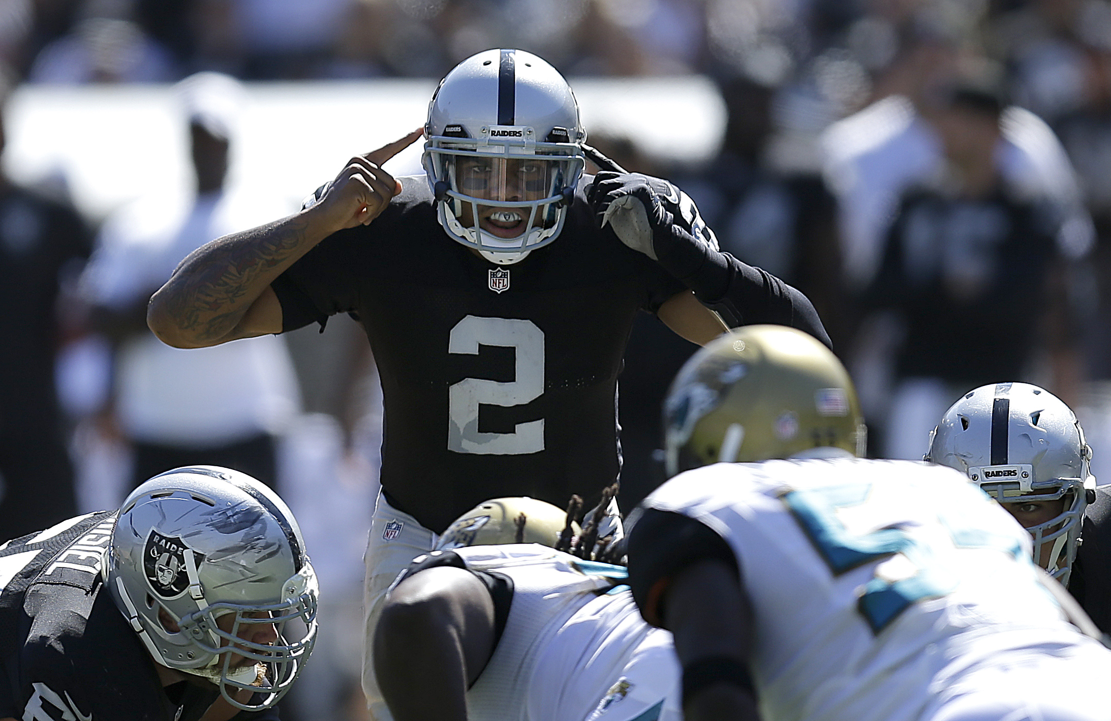 McFadden, Raiders run past Jags for 19-9 victory