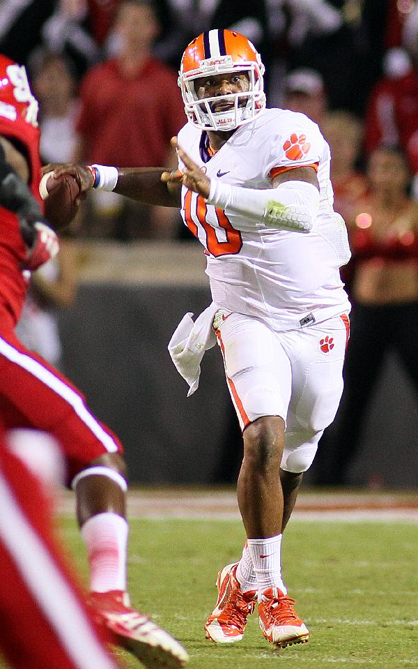 Boyd's 3 TDs lead No. 3 Tigers over NC State 26-14