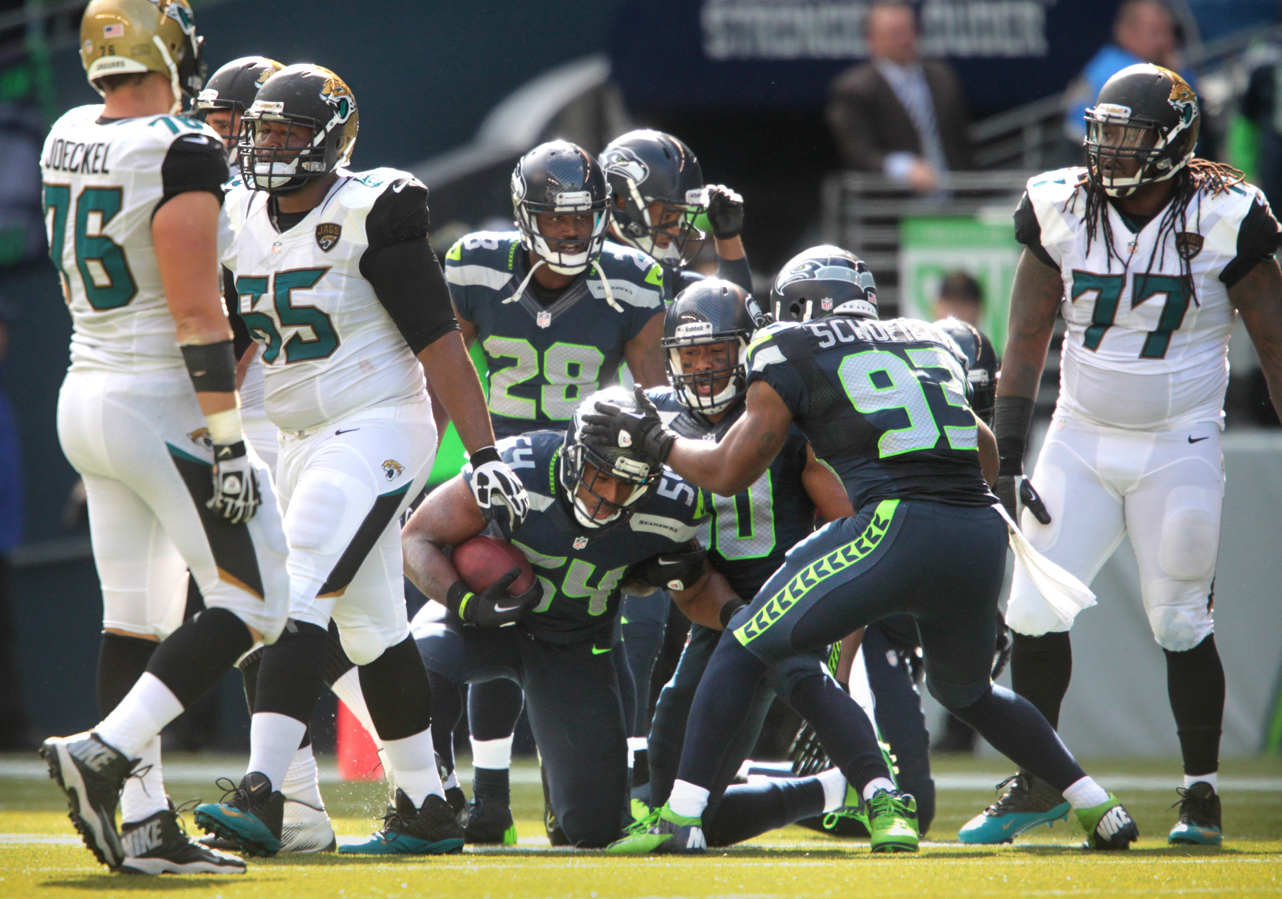 Seattle faces Houston looking to improve to 4-0