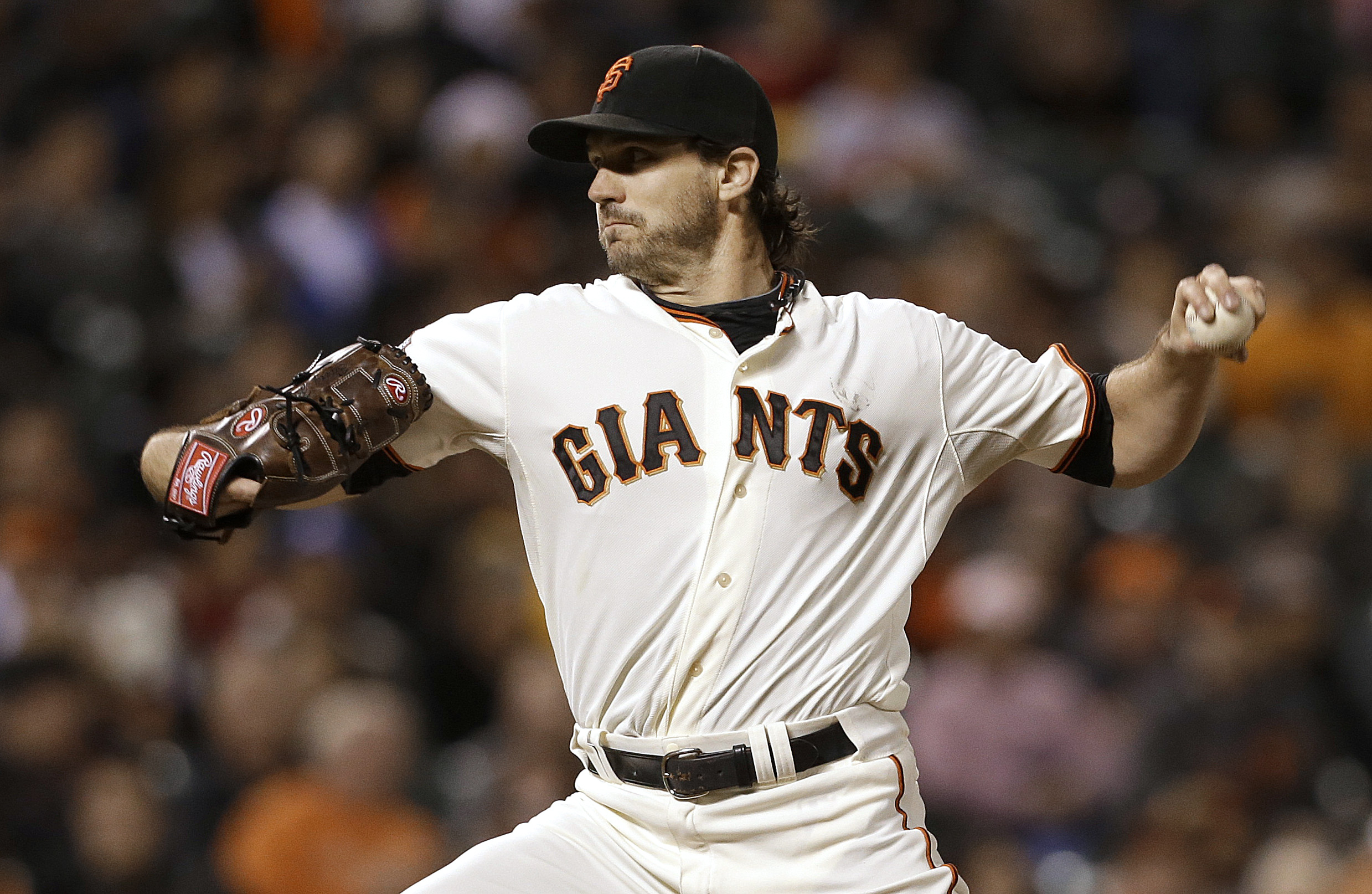 Barry Zito earns first win in nearly four months