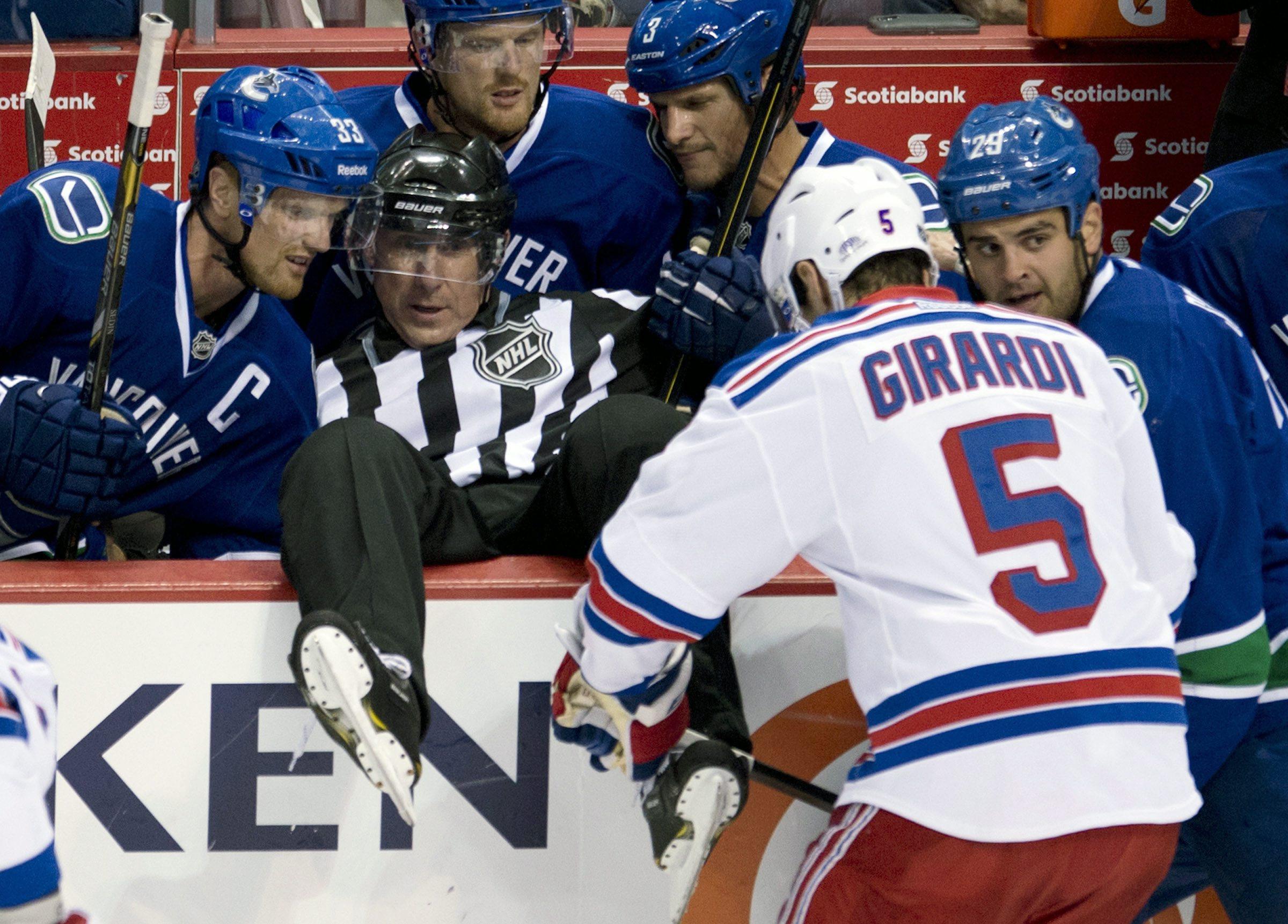 Canucks shut out Rangers 5-0