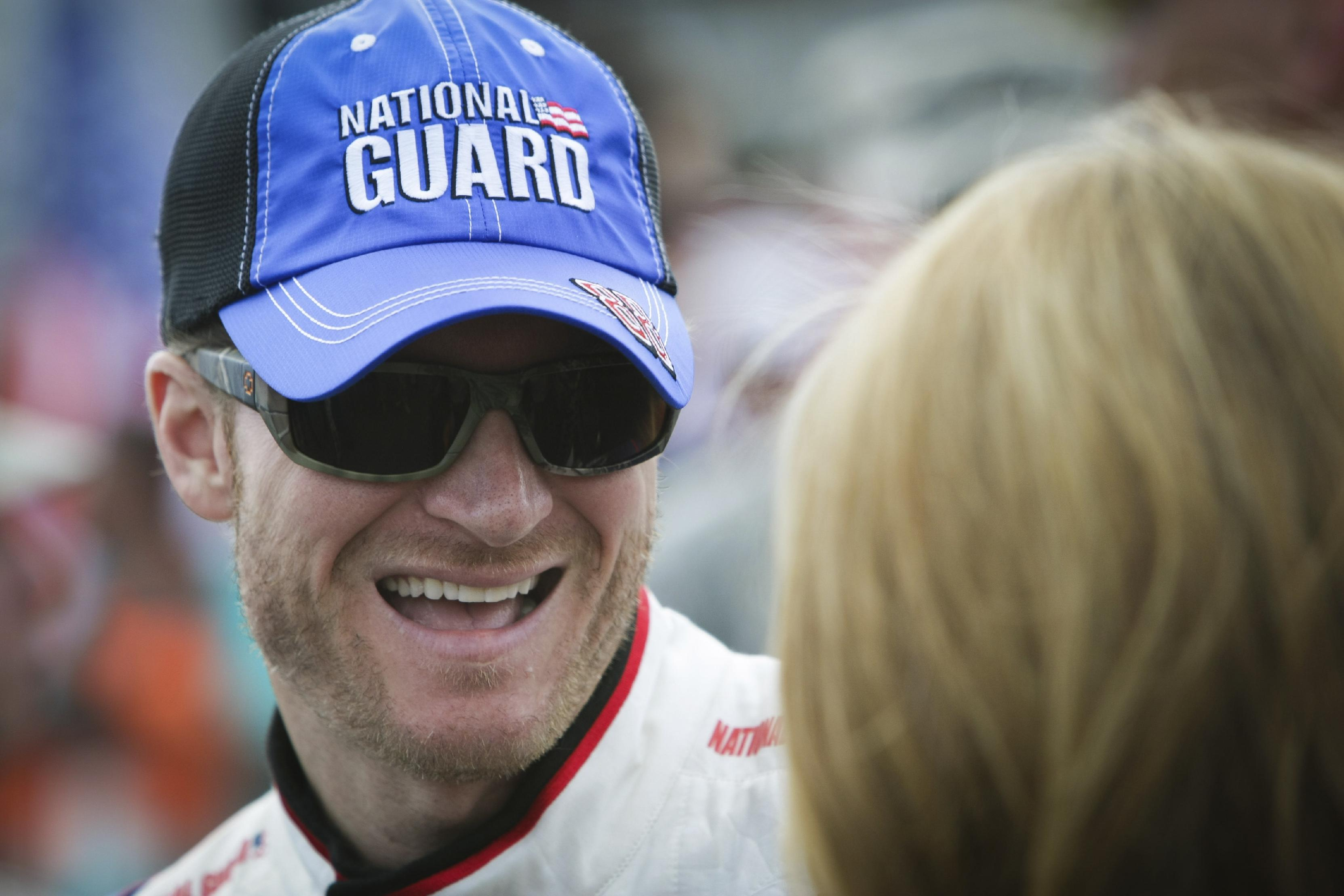 Earnhardt encouraged and feeling no Chase pressure