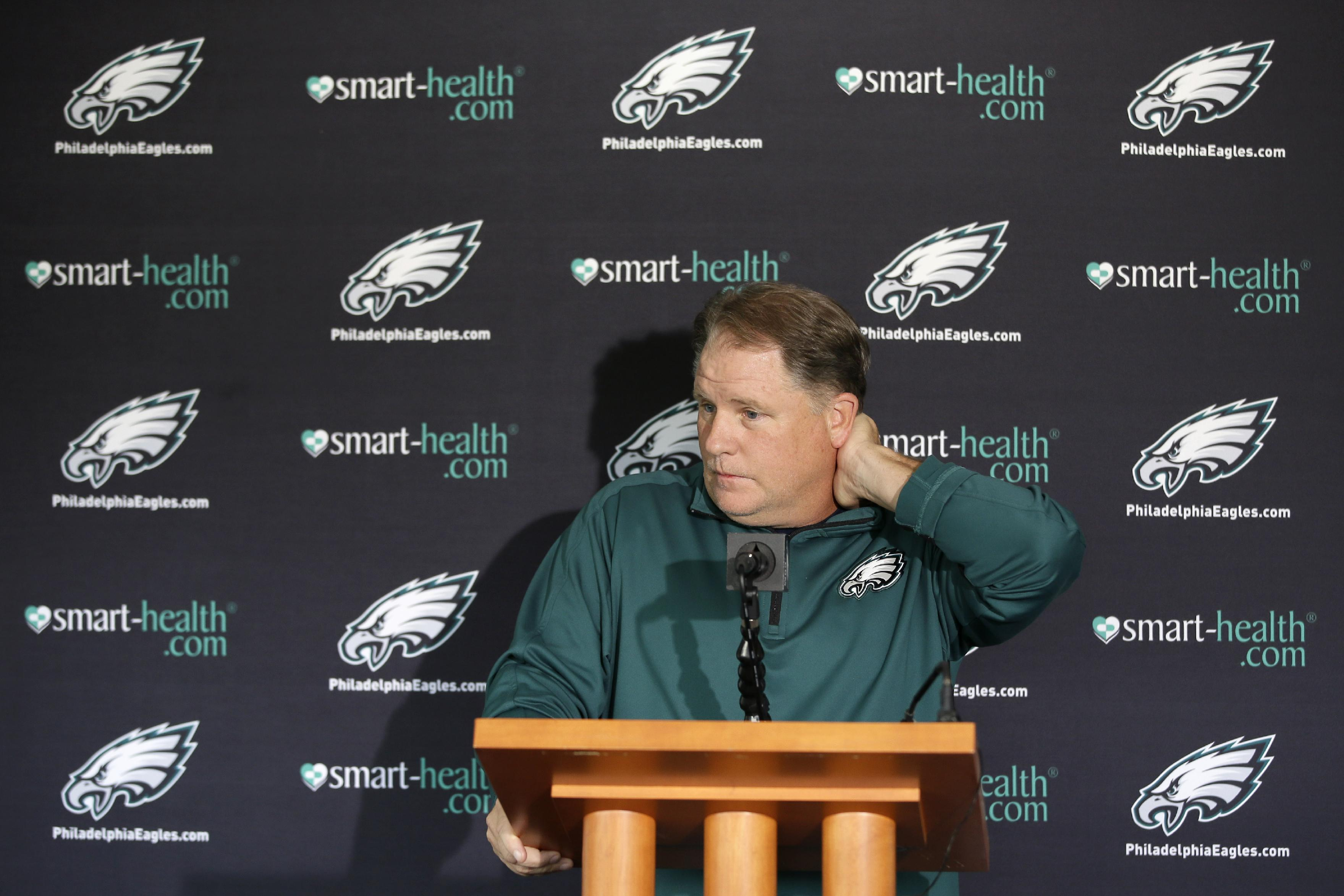 Davis, Eagles sticking with 3-4 in Philly