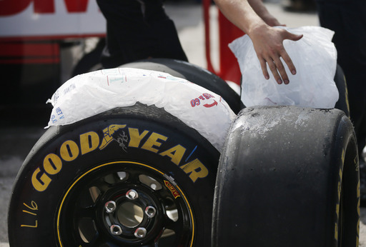 Harvick qualifies on pole for Cup race at Kansas